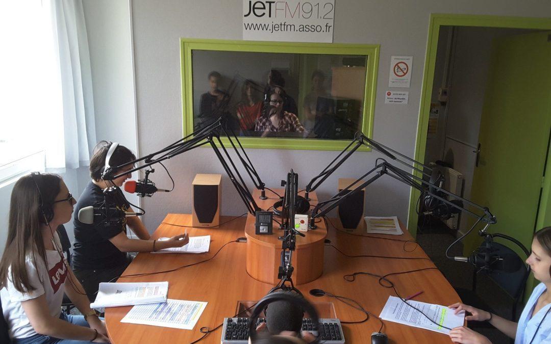 L'émission de radio des élèves de Littérature et Société 201-203 sur JET FM